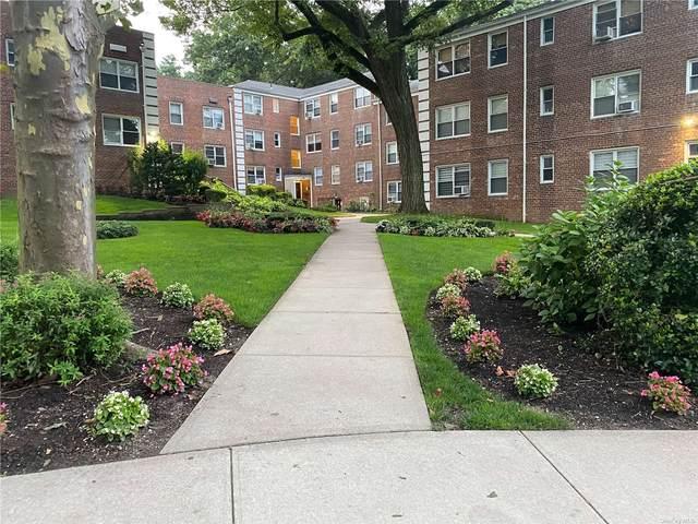 17 Edwards Street 3A, Roslyn Heights, NY 11577 (MLS #3324061) :: Laurie Savino Realtor