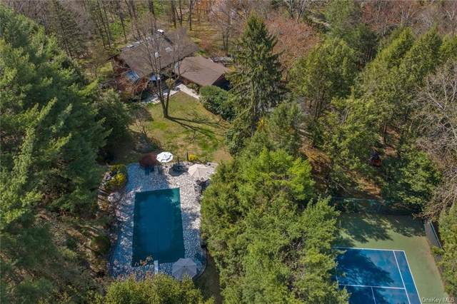 10 North Lane, Katonah, NY 10536 (MLS #H6086901) :: Mark Boyland Real Estate Team