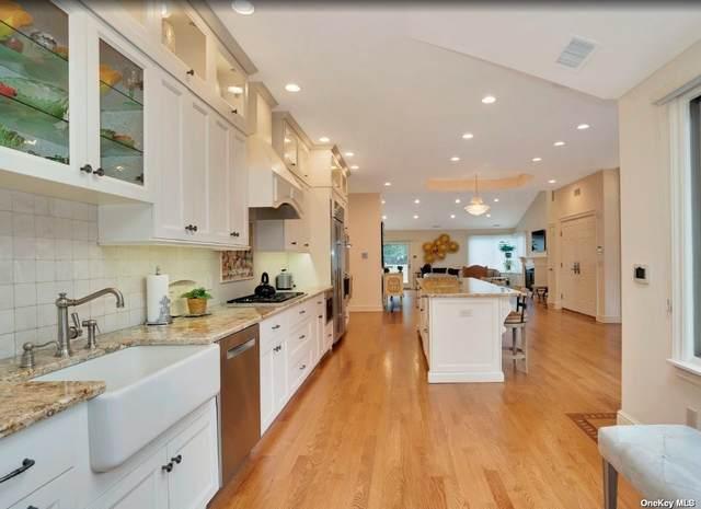 209 Gosling Hill Dr., Manhasset, NY 11030 (MLS #3256969) :: Signature Premier Properties