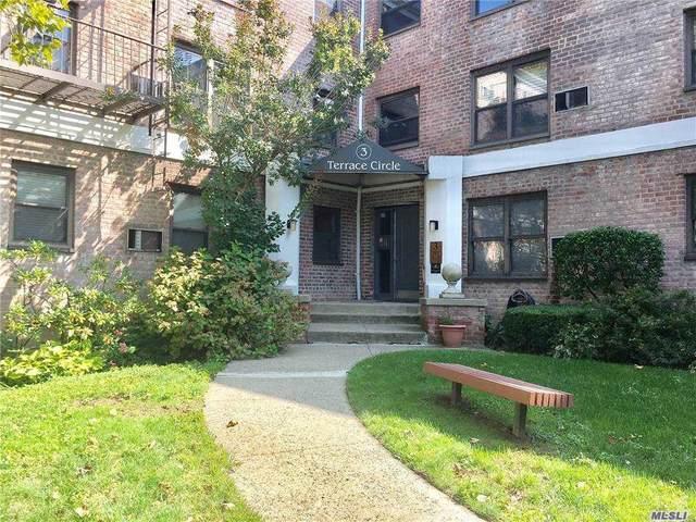 3 Terrace Circle 1A, Great Neck, NY 11021 (MLS #3257067) :: Nicole Burke, MBA | Charles Rutenberg Realty