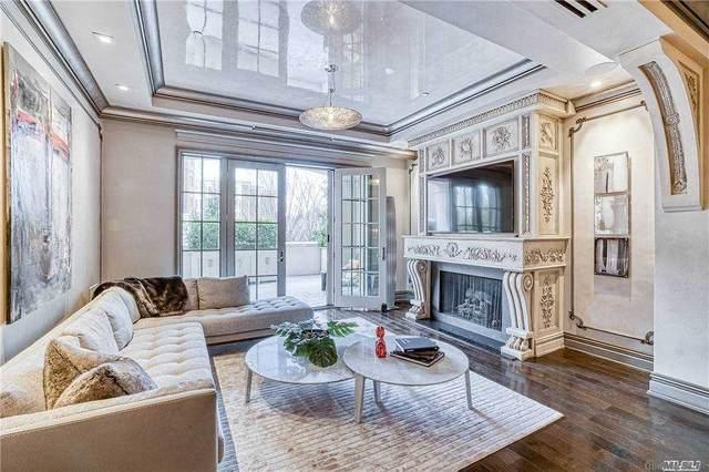 1000 Royal Court, North Hills, NY 11576 (MLS #3282042) :: Mark Boyland Real Estate Team