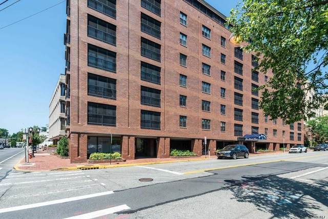 12 Bond Street 5A, Great Neck, NY 11021 (MLS #3230124) :: The McGovern Caplicki Team