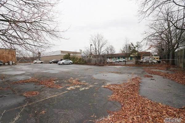 21 W Albany Street, Huntington Sta, NY 11746 (MLS #3007362) :: Signature Premier Properties