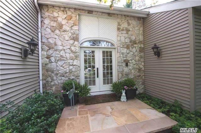 18 Fairway Drive, Port Jefferson, NY 11777 (MLS #3181819) :: Keller Williams Points North