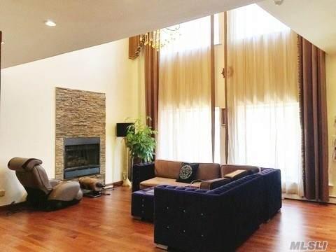 42-31 Colden Street R7a, Flushing, NY 11355 (MLS #3192576) :: Mark Seiden Real Estate Team