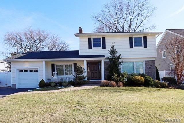 16 Putnam Avenue, Jericho, NY 11753 (MLS #3195500) :: Signature Premier Properties