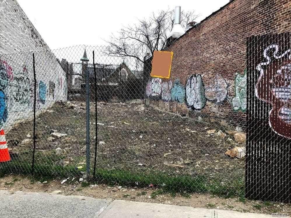 33 Bedford Park Boulevard - Photo 1