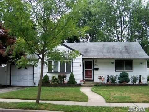 3 Relda Street, Plainview, NY 11803 (MLS #3205685) :: Signature Premier Properties