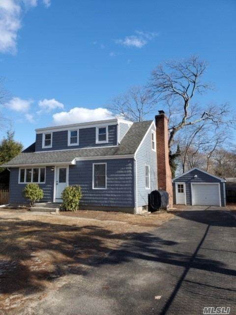 15 Bay Avenue, Lake Ronkonkoma, NY 11779 (MLS #3210067) :: Keller Williams Points North