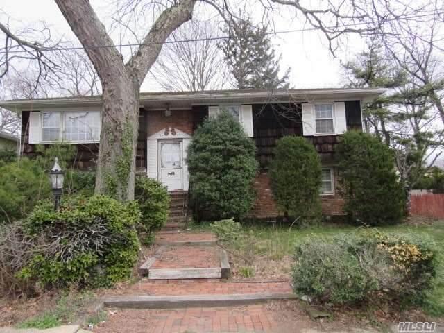 2683 Hansen Place, Baldwin, NY 11510 (MLS #3210538) :: Mark Boyland Real Estate Team