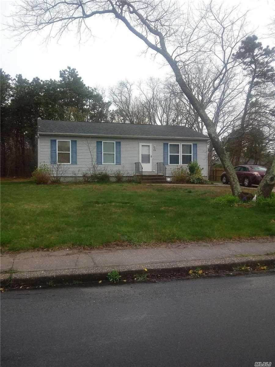 536 Patchogue Ave - Photo 1