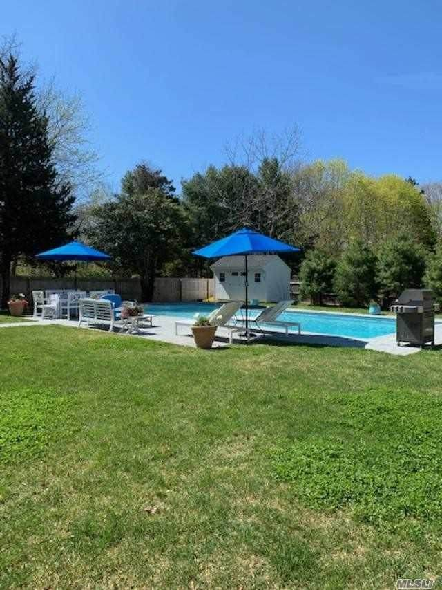34 Central Ave, E. Quogue, NY 11942 (MLS #3214138) :: Mark Boyland Real Estate Team