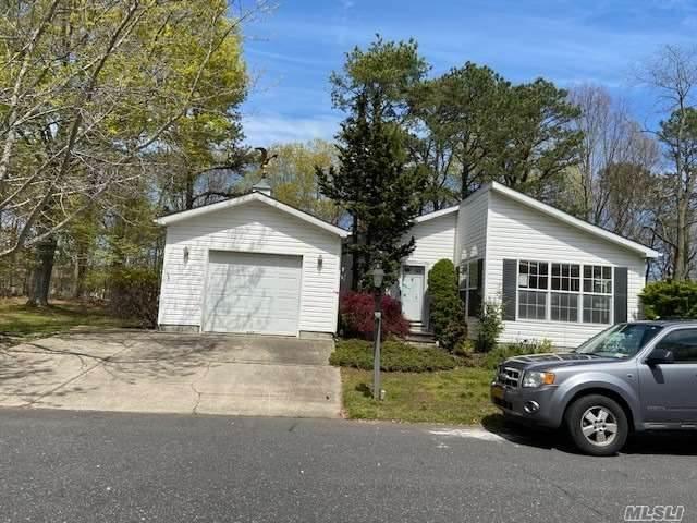 1407-13 Middle Road, Calverton, NY 11933 (MLS #3215598) :: Cronin & Company Real Estate