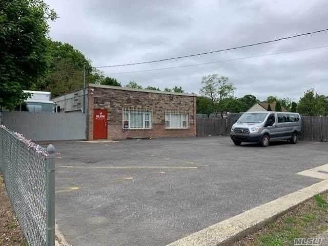 179 Depot, Huntington Sta, NY 11746 (MLS #3217335) :: Cronin & Company Real Estate