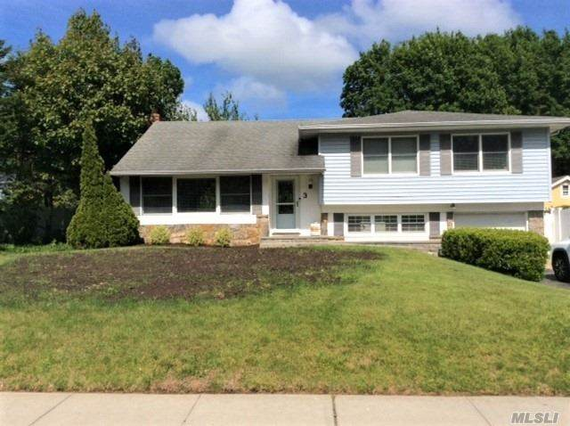 3 Nowick Ln, Smithtown, NY 11787 (MLS #3217765) :: Mark Boyland Real Estate Team
