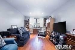 141-10 28 Avenue E, Flushing, NY 11354 (MLS #3217813) :: RE/MAX Edge
