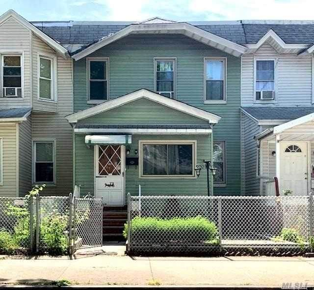 107-40 111th Street, Richmond Hill, NY 11418 (MLS #3218000) :: RE/MAX Edge