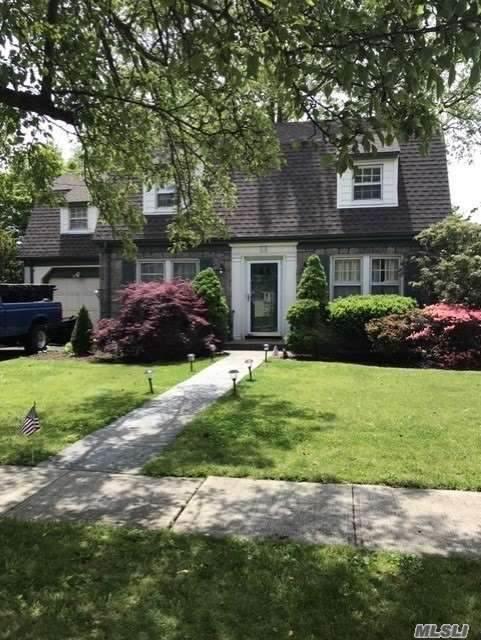 14 Gerard Avenue E, Malverne, NY 11565 (MLS #3218315) :: Signature Premier Properties