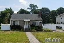 252 Garden St, Westbury, NY 11590 (MLS #3218835) :: Kevin Kalyan Realty, Inc.