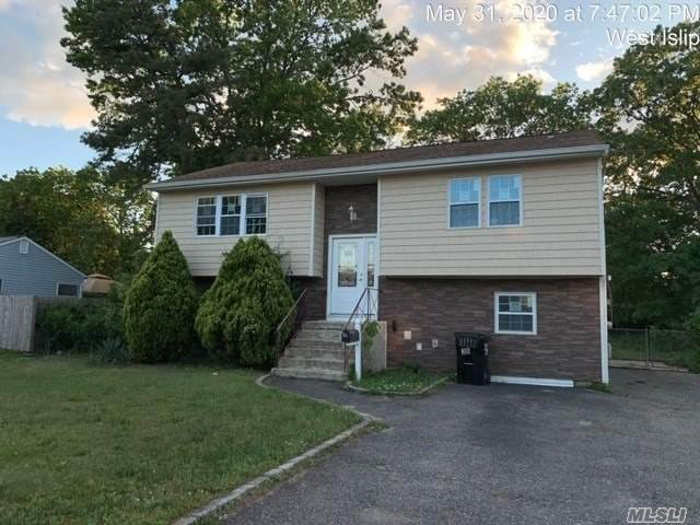 36 Leopold Ave, West Islip, NY 11795 (MLS #3219027) :: Signature Premier Properties