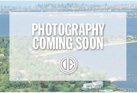 305 Ferndale Ct, Copiague, NY 11726 (MLS #3219106) :: Signature Premier Properties