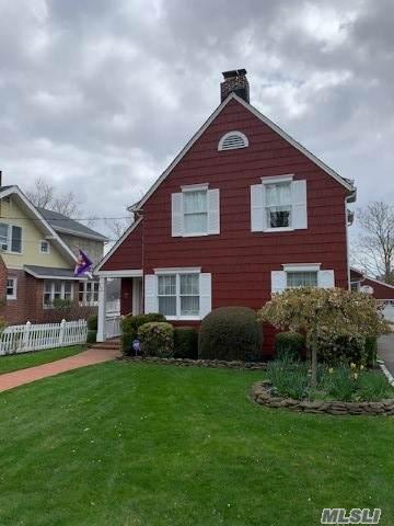66 Ocean Ave, Amityville, NY 11701 (MLS #3219492) :: Mark Boyland Real Estate Team