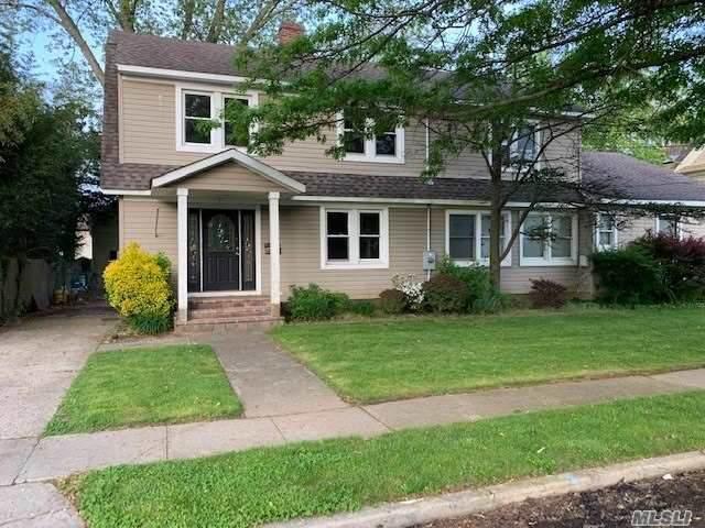 48 S Baldwin Pl, Massapequa, NY 11758 (MLS #3219637) :: Mark Boyland Real Estate Team