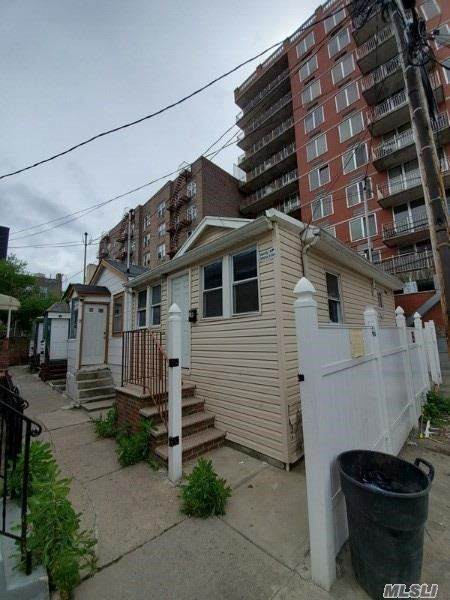 1R Banner 3 Terrace - Photo 1