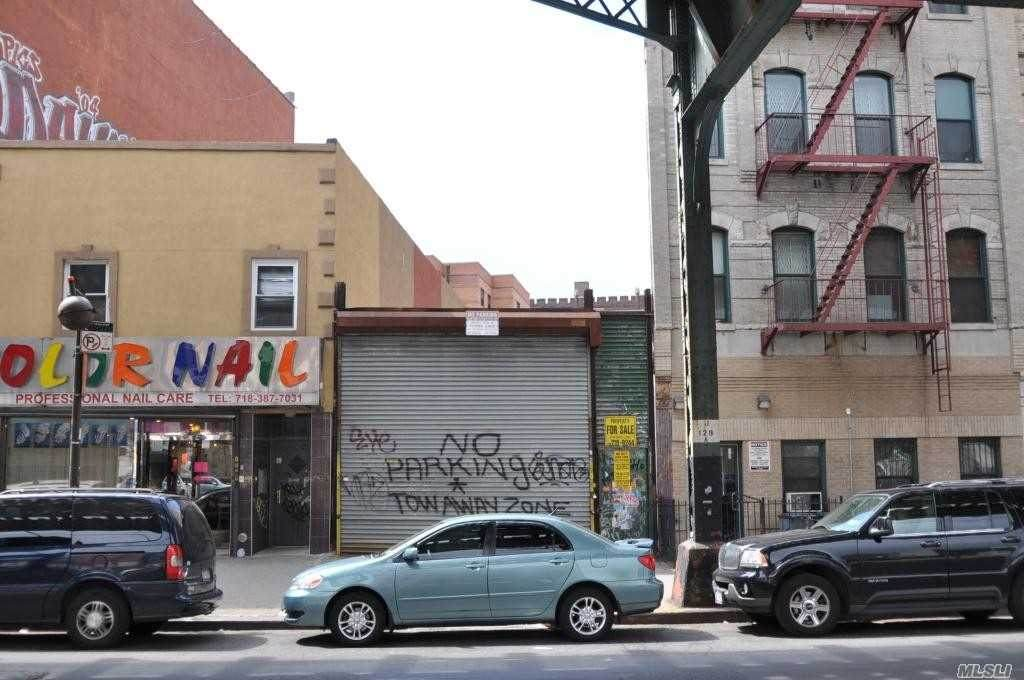 672 Broadway - Photo 1