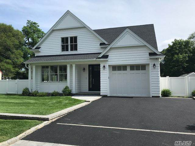 40 Starlight, East Islip, NY 11730 (MLS #3228521) :: Shalini Schetty Team