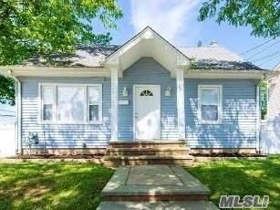 1103 N Broadway, Massapequa, NY 11758 (MLS #3229218) :: Mark Boyland Real Estate Team