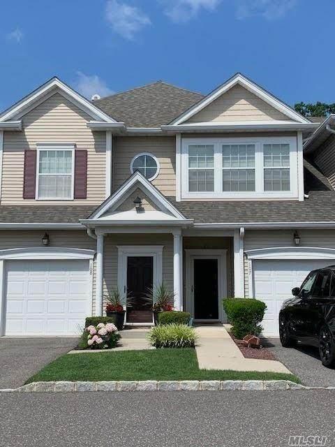 107 Wildwood Circle, Holtsville, NY 11742 (MLS #3229308) :: Cronin & Company Real Estate