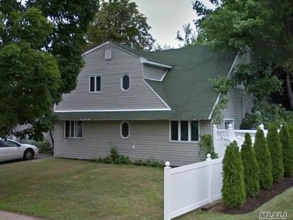 131 Brittle Ln, Hicksville, NY 11801 (MLS #3229945) :: RE/MAX Edge