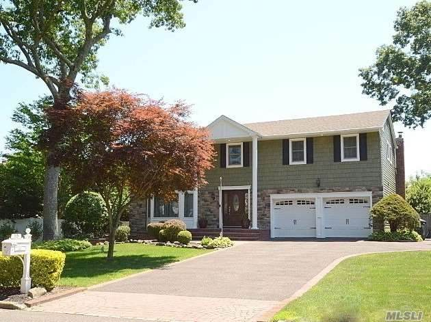 10 Ron Court, Commack, NY 11725 (MLS #3230163) :: Signature Premier Properties