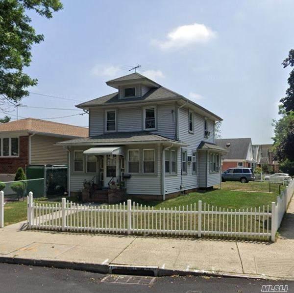 256-04 E Williston Ave, Floral Park, NY 11001 (MLS #3230761) :: Signature Premier Properties