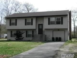 657 Wilson Blvd, Central Islip, NY 11722 (MLS #3230875) :: Kevin Kalyan Realty, Inc.