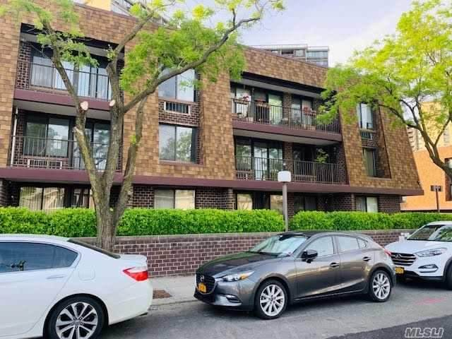 209-21 26th Avenue 2-D, Bayside, NY 11360 (MLS #3231211) :: McAteer & Will Estates | Keller Williams Real Estate