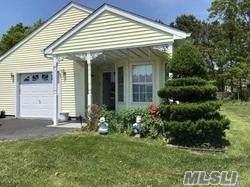 402 Village Circle, Manorville, NY 11949 (MLS #3231649) :: William Raveis Baer & McIntosh