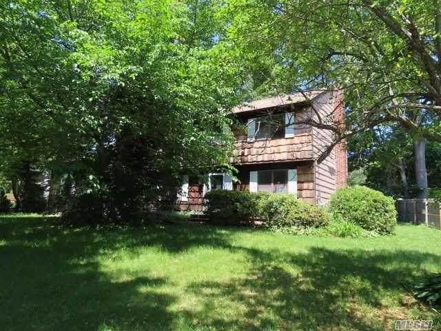 105 N Truxton Road, Dix Hills, NY 11746 (MLS #3232401) :: Signature Premier Properties
