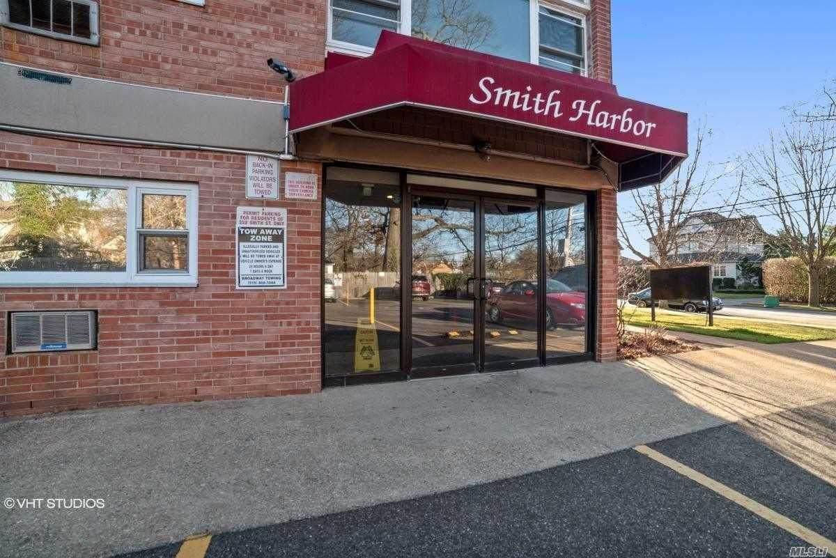222 Smith Street - Photo 1