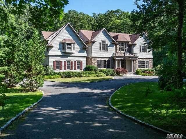 171 Stillwell Lane, Laurel Hollow, NY 11791 (MLS #3235228) :: Shalini Schetty Team