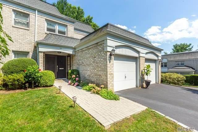 75 Fairway North Circle, Manhasset, NY 11030 (MLS #3237998) :: Kendall Group Real Estate | Keller Williams