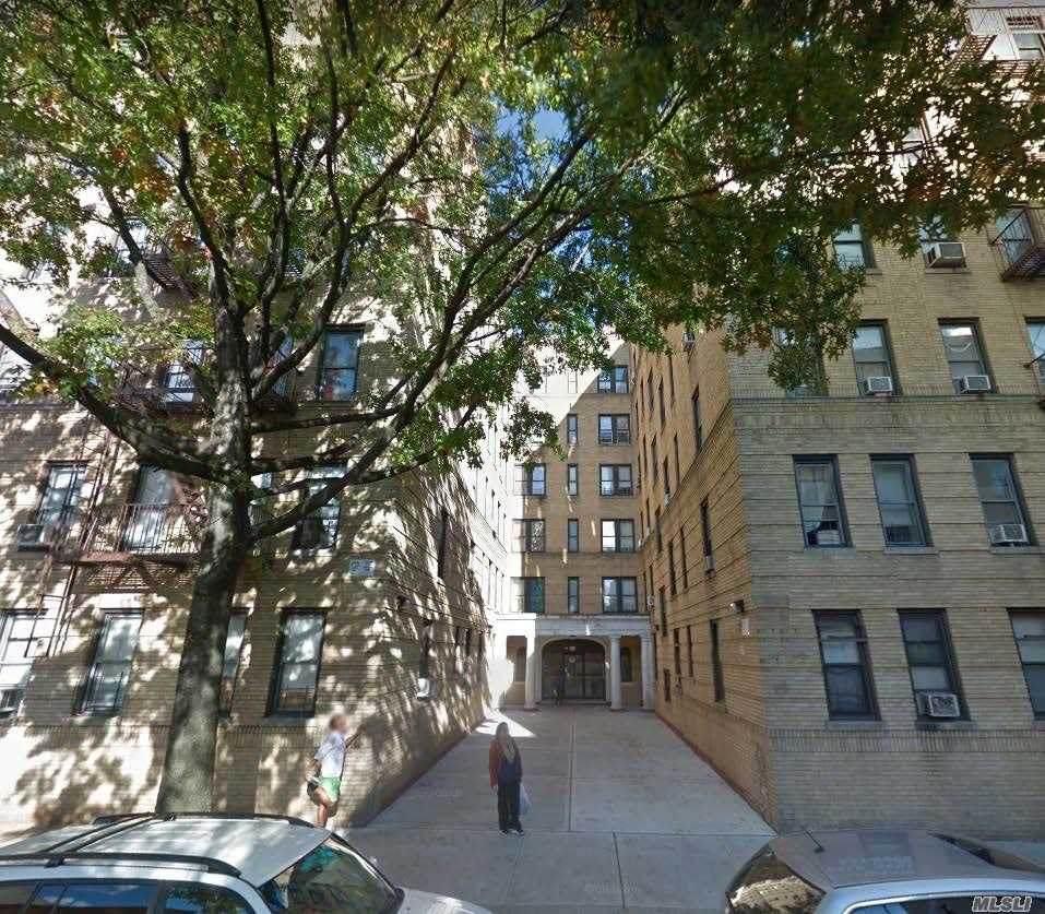 91 208 Street - Photo 1
