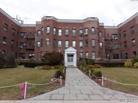 2 Herrick Drive 1O, Lawrence, NY 11559 (MLS #3238942) :: Nicole Burke, MBA   Charles Rutenberg Realty