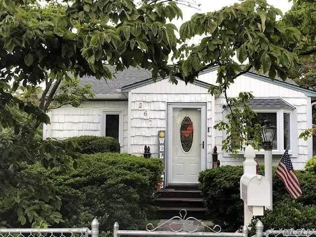 267 16th Street, W. Babylon, NY 11704 (MLS #3239609) :: Keller Williams Points North - Team Galligan