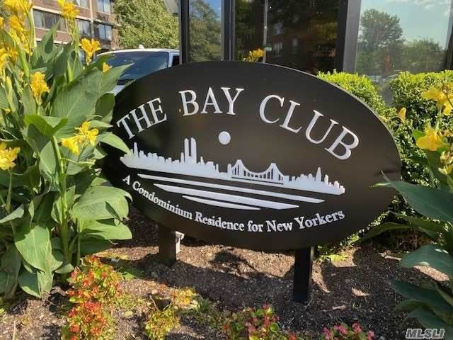 1 Bay Club Drive 1R, Bayside, NY 11360 (MLS #3240176) :: Mark Seiden Real Estate Team
