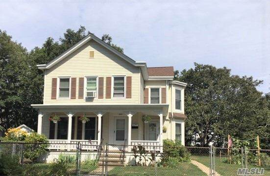 220 5th Avenue, Greenport, NY 11944 (MLS #3240406) :: Frank Schiavone with William Raveis Real Estate