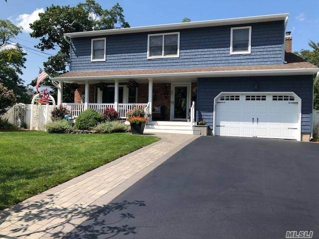 49 Hunter Avenue, N. Babylon, NY 11703 (MLS #3240804) :: Frank Schiavone with William Raveis Real Estate