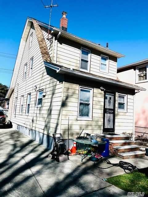 151-58 135th Ave, Jamaica, NY 11434 (MLS #3241804) :: Signature Premier Properties