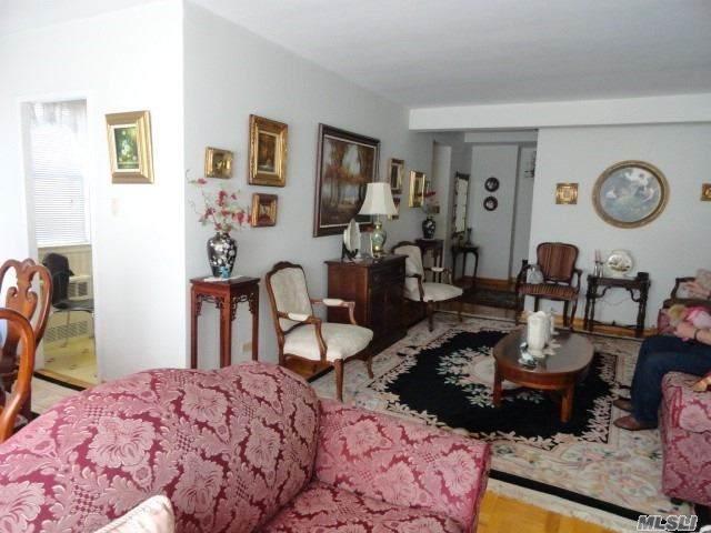 Elmhurst, NY 11373 :: McAteer & Will Estates | Keller Williams Real Estate